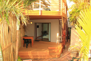 J Bay Coffee Co ... coffee facility, internet access, small patio with access to garden